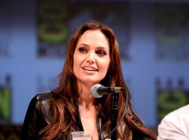 Na co jest chora Angelina Jolie