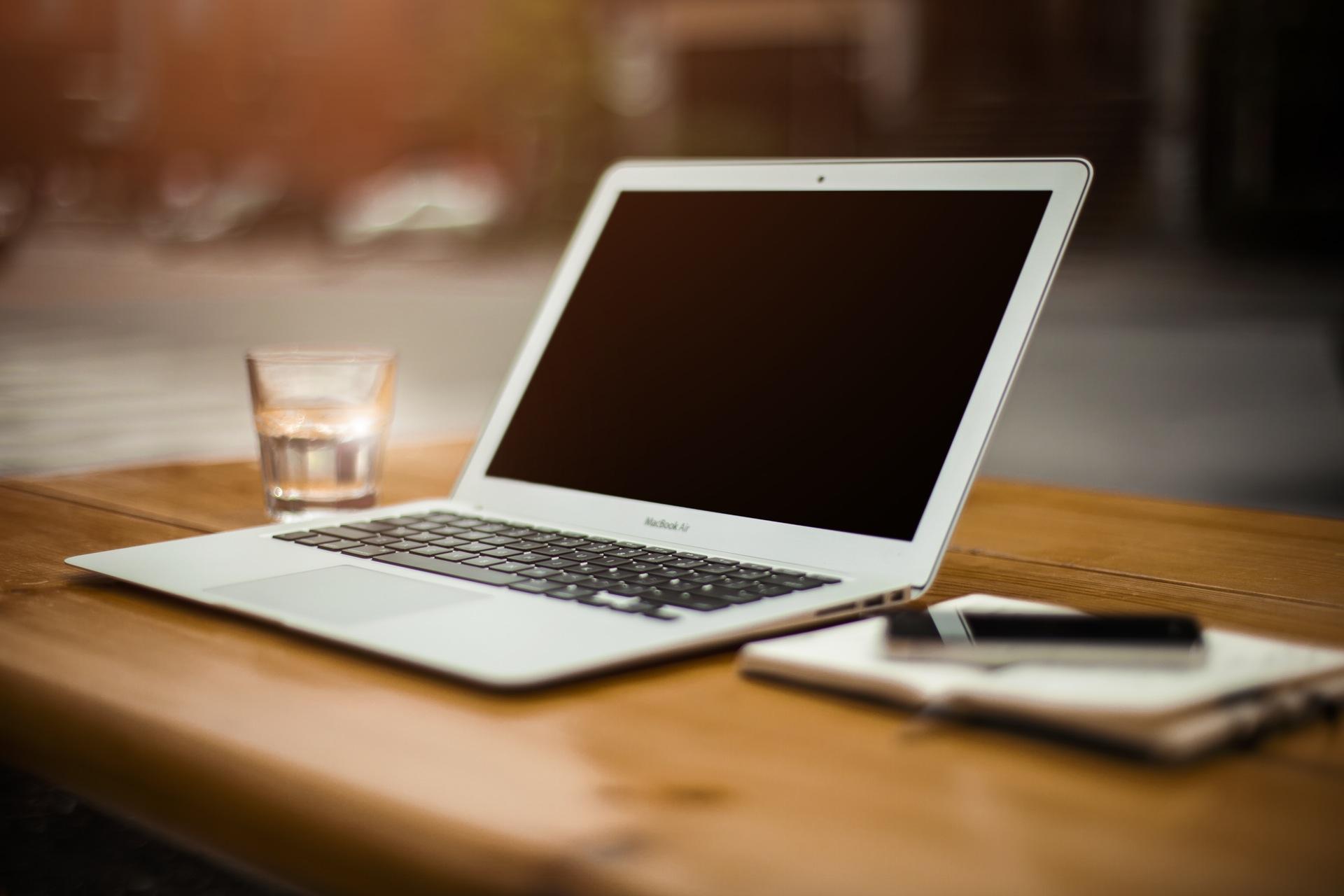 Jak wykorzystać wideokonferencje w firmie do sprzedaży usług?