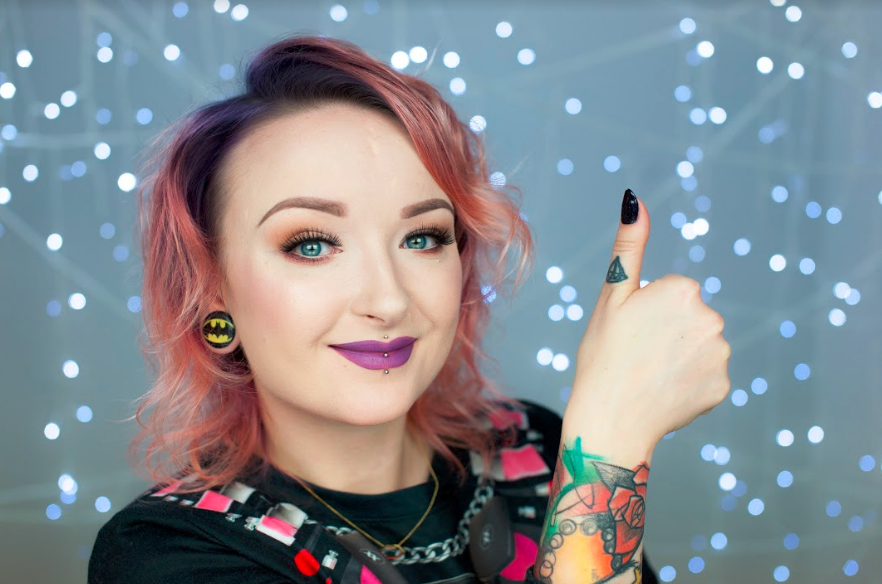 Red Lipstick Monster o tym, jak wygląda praca Youtuberki