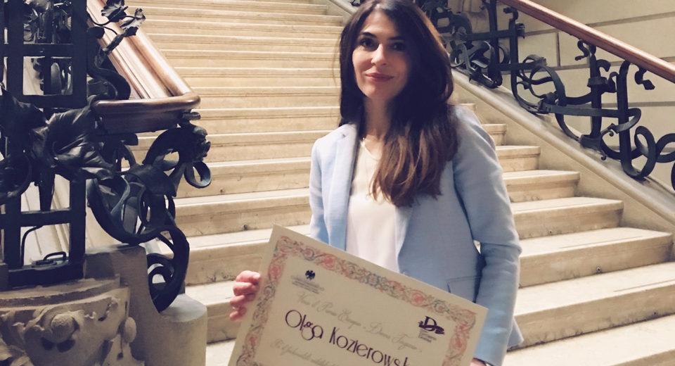 European Women's Tertiary Award dla Sukcesu Pisanego Szminką