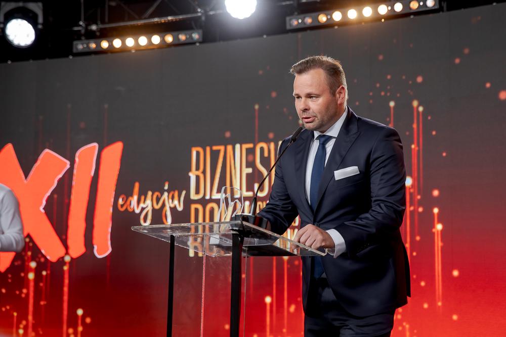 Michał Mierzejewski na gali finałowej Bizneswoman Roku 2020